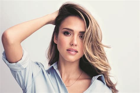 Jessica Alba's Post Workout Beauty Look Well+good