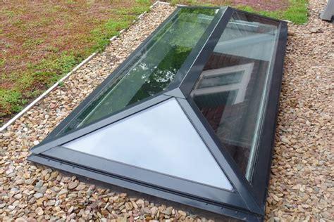 lichtkoepels in glas lichtkoepel piramide in glas koepellux