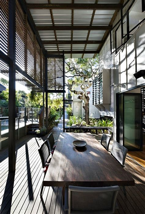 minimalist house   double height deck  australia digsdigs