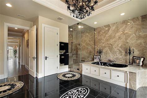 Traditional/modern Luxury Bathroom