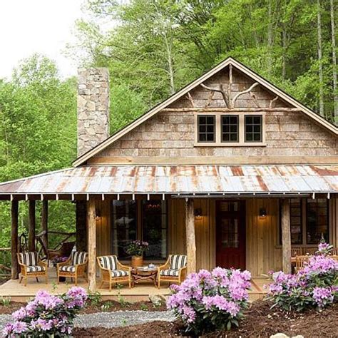 Cabin in the woods with a wonderful wrap around porch
