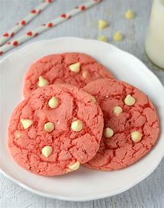 White chocolate strawberry cookies - Friday is Cake Night