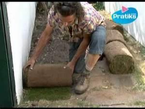 Gazon En Rouleaux : comment poser du gazon en rouleau youtube ~ Farleysfitness.com Idées de Décoration