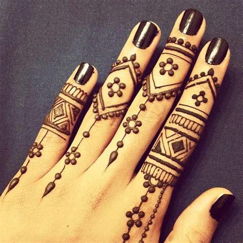 arabic mehndi design  fingers top  picks