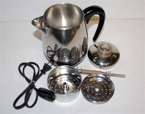 Start the day off with the coffee pot by farberware. VTg Farberware Superfast Percolator Coffee Pot/Maker 2-4 Cup #134 USA Stainless | Percolator ...