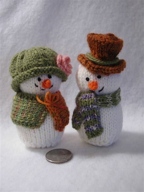 knitting for christmas 21 knitted decorations ideas feed inspiration