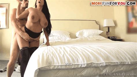 Adultgifmenu Kiara Mia Latina Milf
