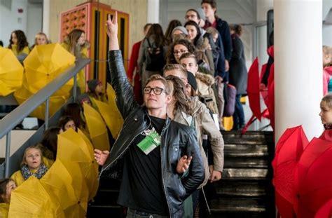 Jūrmalā sācies Latvijas jauniešu teātru festivāls ...