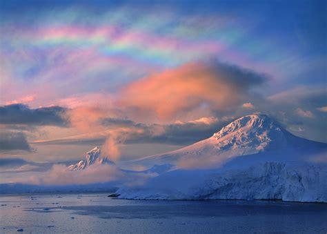 north pole ozone hole forming