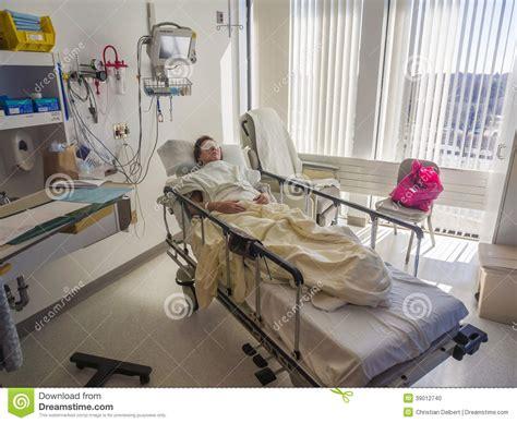 chambre hopital chambre d 39 hôpital et patient photo stock image 39012740