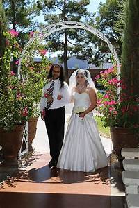 Las vegas outdoor weddings little church of the west for Outdoor vegas weddings