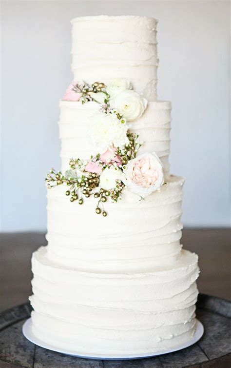 Best 25 Ivory Wedding Cake Ideas On Pinterest Elegant