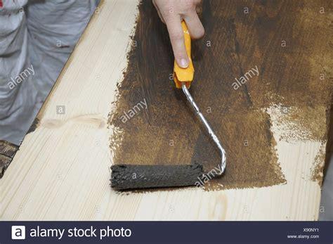 Farbe Auf Lasur Streichen by Holz Streichen Stock Photos Holz Streichen Stock Images