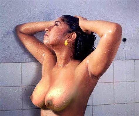 mallu topless saree