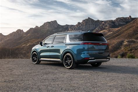 Prices for 2022 kia carnival s currently range from to. America's 2022 Kia Carnival Is A 290 HP, 7 To 8 Passenger ...