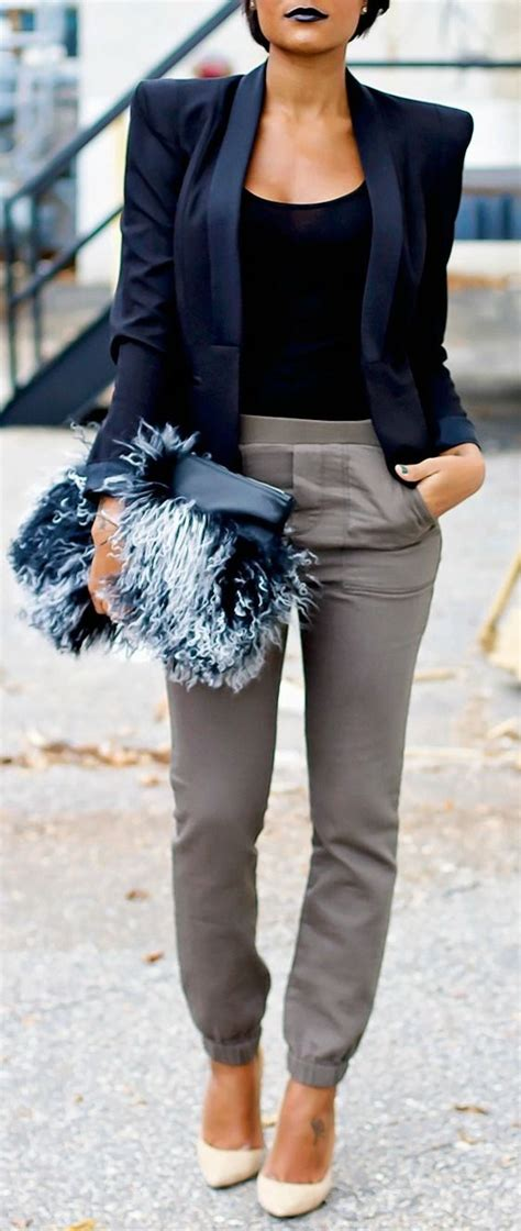 What To Wear At Work 5 Best Outfits Workoutfitscom