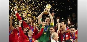 Equipe Foot Espagne Liste : l 39 quipe espagnole de football sur l 39 le de r r la hune ~ Medecine-chirurgie-esthetiques.com Avis de Voitures