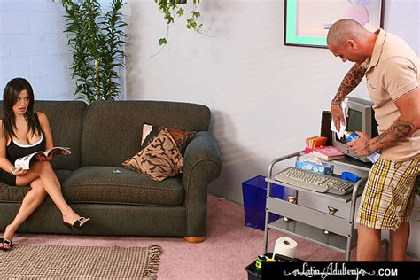 Boss Sienna West Fucking In The Couch With Her Big Ass