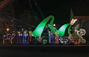 Lake Compounce Holiday Lights 2017 20 Wickedly Festive Things To Do In New England In Winter