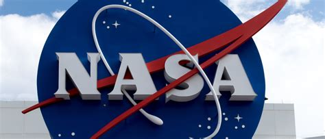 NASA Is Paying A Company $1 To Gather Moon Rocks | The ...