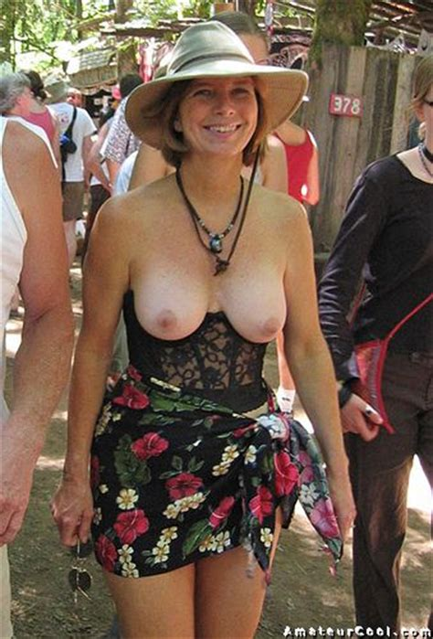 Classy mature wife nude in public places | Amateur Cool