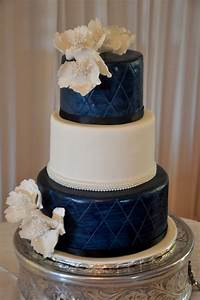 Rozanne's Cakes: Navy blue and white wedding cake