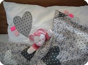 Housse De Couette Petite Fille : 110 best images about couture couette couvre lit drap on ~ Melissatoandfro.com Idées de Décoration