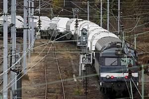 Train à L Arrivée : le train de l 39 enfer arriv destination ~ Medecine-chirurgie-esthetiques.com Avis de Voitures