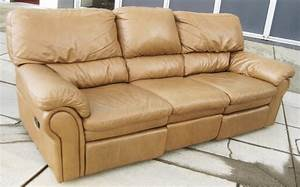 Uhuru furniture collectibles sold leather sofa with for Sectional sofa with reclining ends