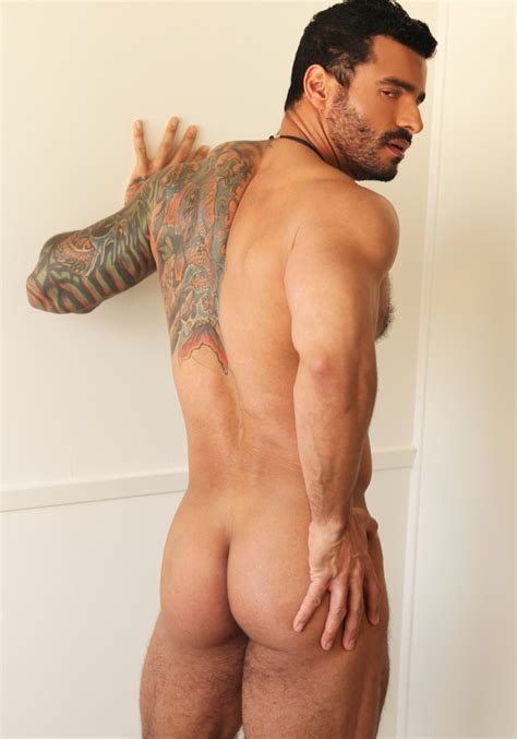 Hot Men In Their Pants Bare Male Ass