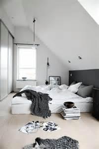 schlafzimmer design 25 best ideas about schrägbild on dachschrägenschrank schrank für schräge and