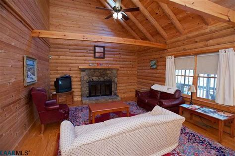 One of our newest treehouse cabins is the river falls. Mountain Cabin - 🏠 Virginia Log Homes for Sale