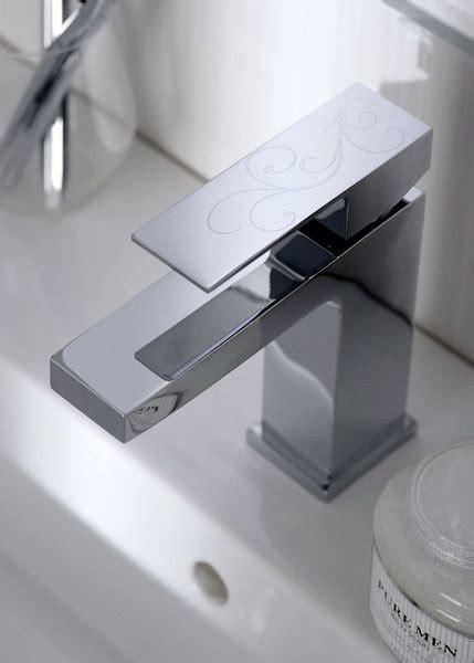 salle de bains robinetterie noble et design galerie