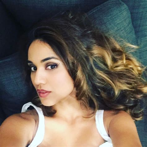 Summer Bishil The Fappening Sexy Selfies Photos