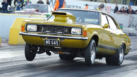 NOGAS Ford Cortina - YouTube