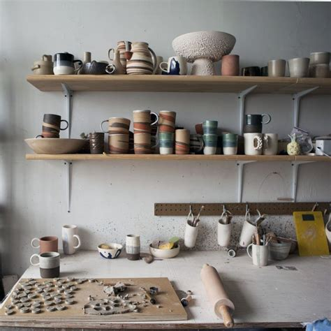 tammys ceramic shop ceramic and pottery studio studio tour helen levi ceramics design sponge arts literature pinterest 도자기 아이디어 및 기타