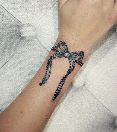 Tatouage Cheville Noeud Tattoo Art
