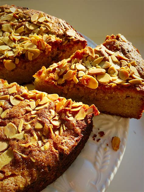 crunchy cake topping