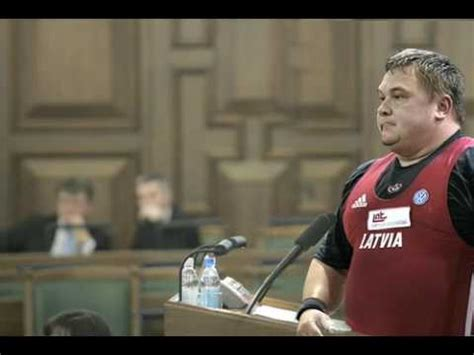 Viktora Ščerbatiha runa Saeimas tribīnē - YouTube