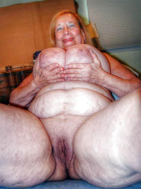 Very Old Fat Oma Datawav
