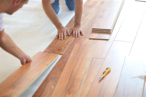 How To Install Laminate Flooring [infographic]