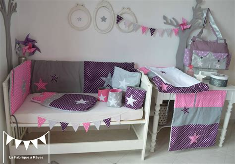 decoration chambre bebe fille blanc violet rose vif gris pois etoiles photo de  dispo de