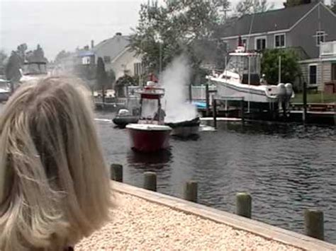 boat fire toms river nj    youtube