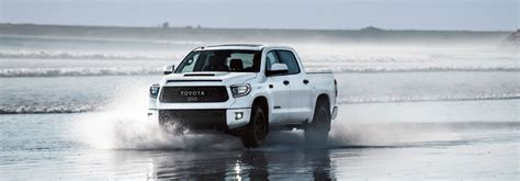 toyota tundra  features