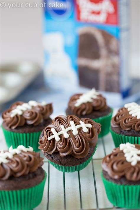 easy football cupcakes  video  cup  cake