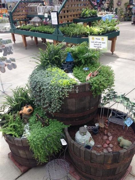 ideas for mini gardens upcycle