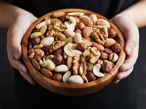 child  diabetes eat nuts