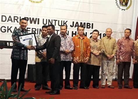 walikota jambi terima award walikota kreatif  inovatif