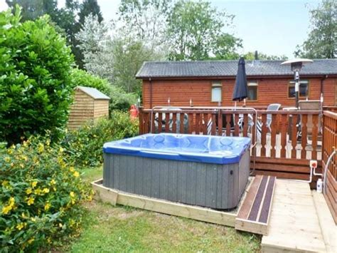 The Lake District Log Cabins With Tub - log cabin lake district tub logcabinholidays