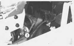 remove  replace  shaft hub  hydraulic pump   cat  backhoe  hub